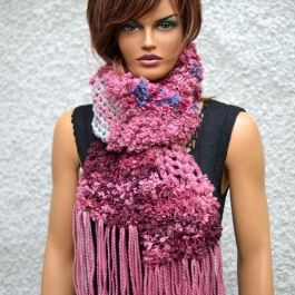 Art scarf in pink