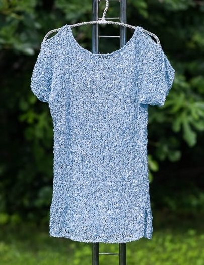 Blouse with slightly bare shoulders from Orient Express