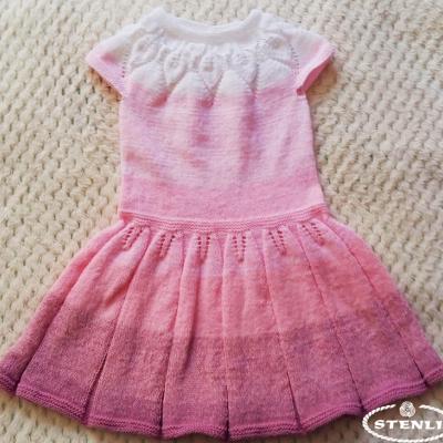 Детска рокличка от прежда Стенли Бейби мъфин