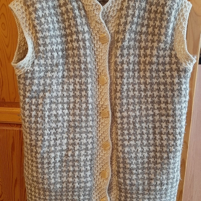 Vest from natural wool